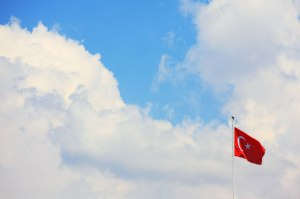 turkish-flag-with-sky