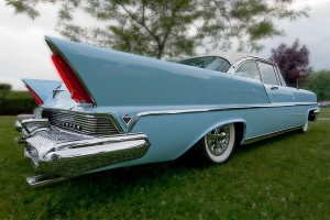 car-with-big-fins