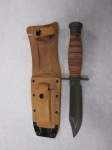 91-164-Q_KNIFE,_SURVIVAL,_USN,_PILOT