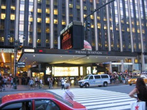 Penn_Station_NYC_main_entrance