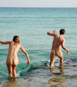 1200px-Nudists_at_Formentera_beach_0240
