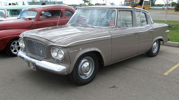 1961_Studebaker_Lark_VI_four-door_sedan