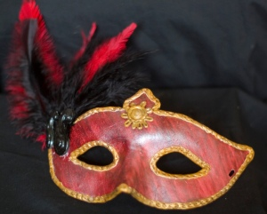 Red_Venetian_mask_(4925543158)