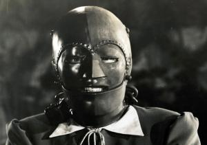 1-man-in-the-iron-mask