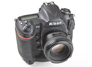 Nikon_D5_stacked